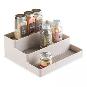 mDesign étagère à épices pour le placard de cuisine – range épices pratique pour mettre de l'ordre dans la cuisine – 3 niveaux – couleur : transparente/métallisée de la marque MetroDecor image 0 produit