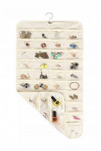 """MotGlobal à suspendre Rangement Bijoux - 80 poches Double face Armoire de rangement pour boucles d'oreilles colliers bracelets Beige 17"""" W*34"""" H de la marque MOT Global image 0 produit"""